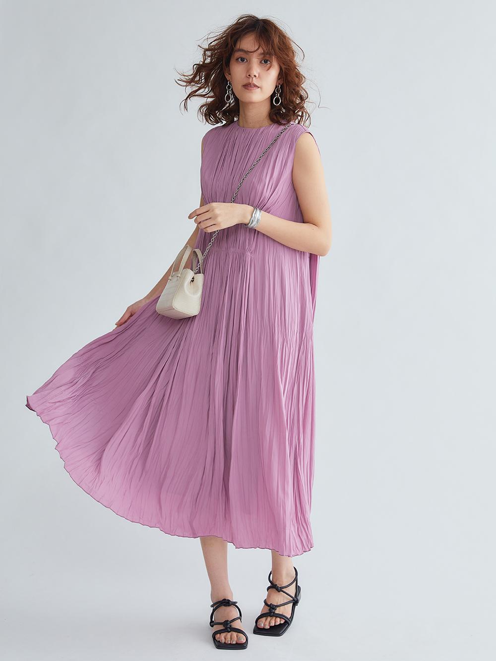 腰部細摺連身裙