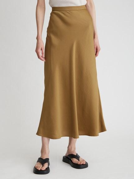 緞澤斜裁長裙