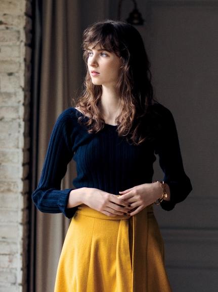 V領羊毛針織衫