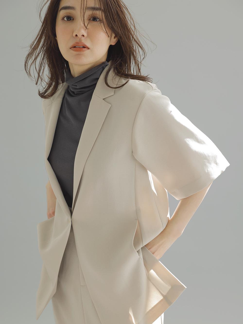嫘縈短袖西裝外套