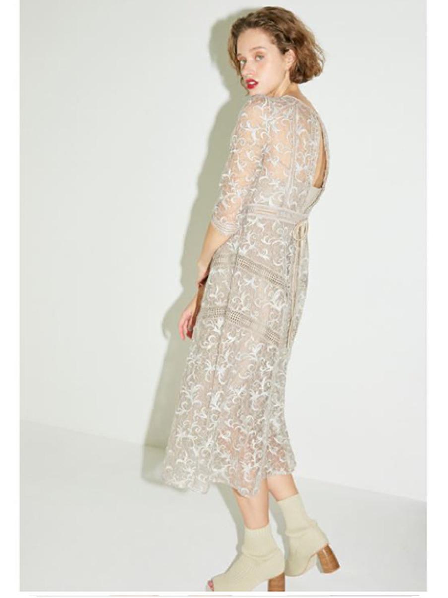透肌感蕾絲洋裝