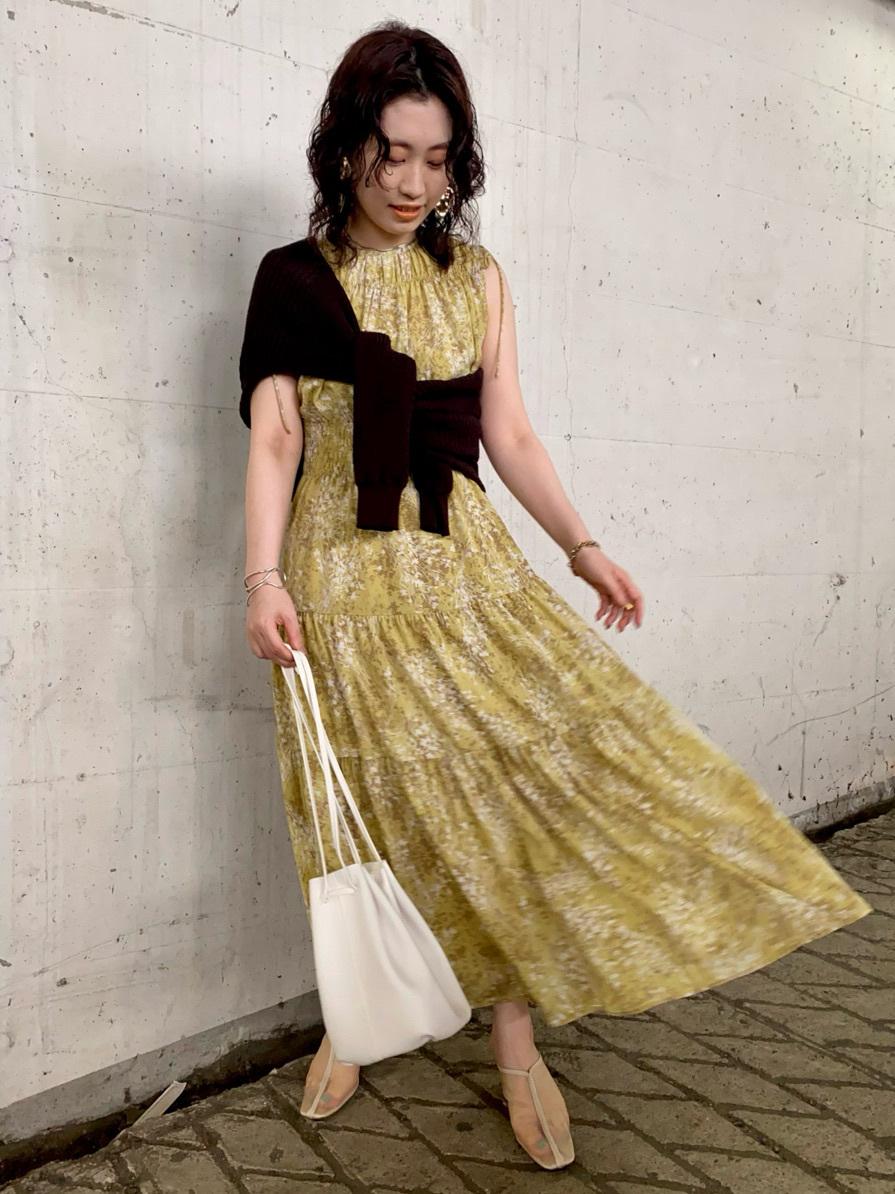 花束印花抓褶連身裙