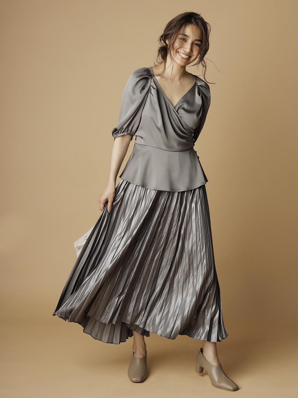皮革感緞澤百褶裙