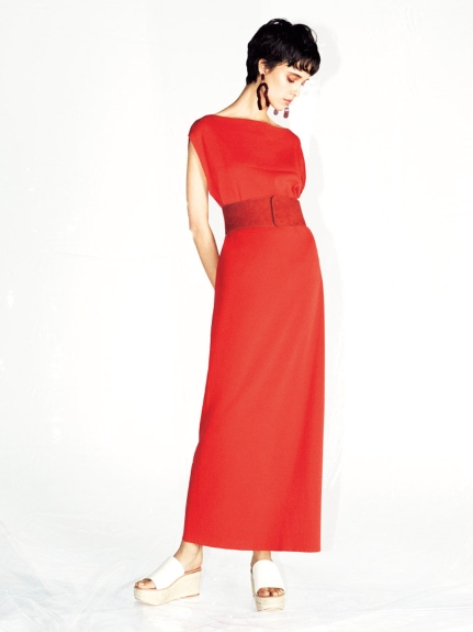 優雅純色腰帶連身裙