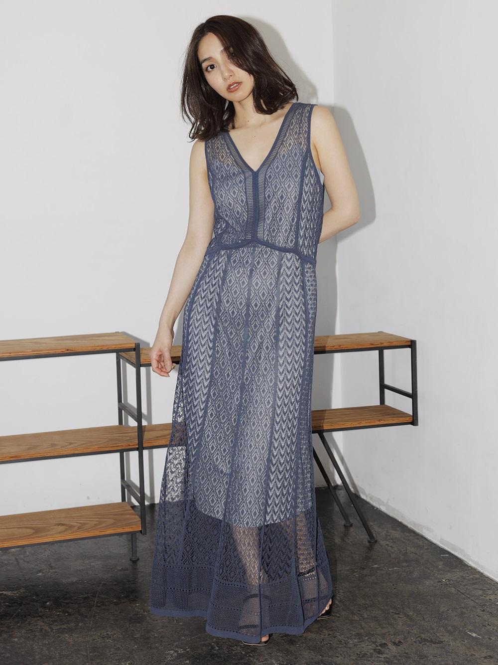 蕾絲紋針織連身裙