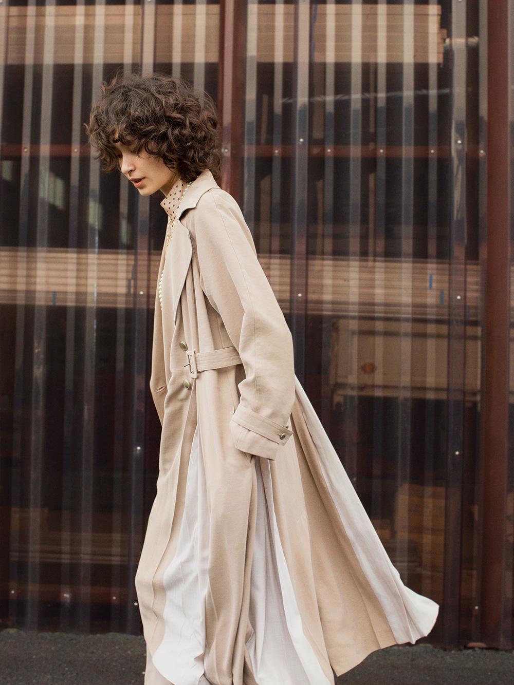異材質拼接風衣外套