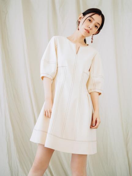 澎袖短版連身裙