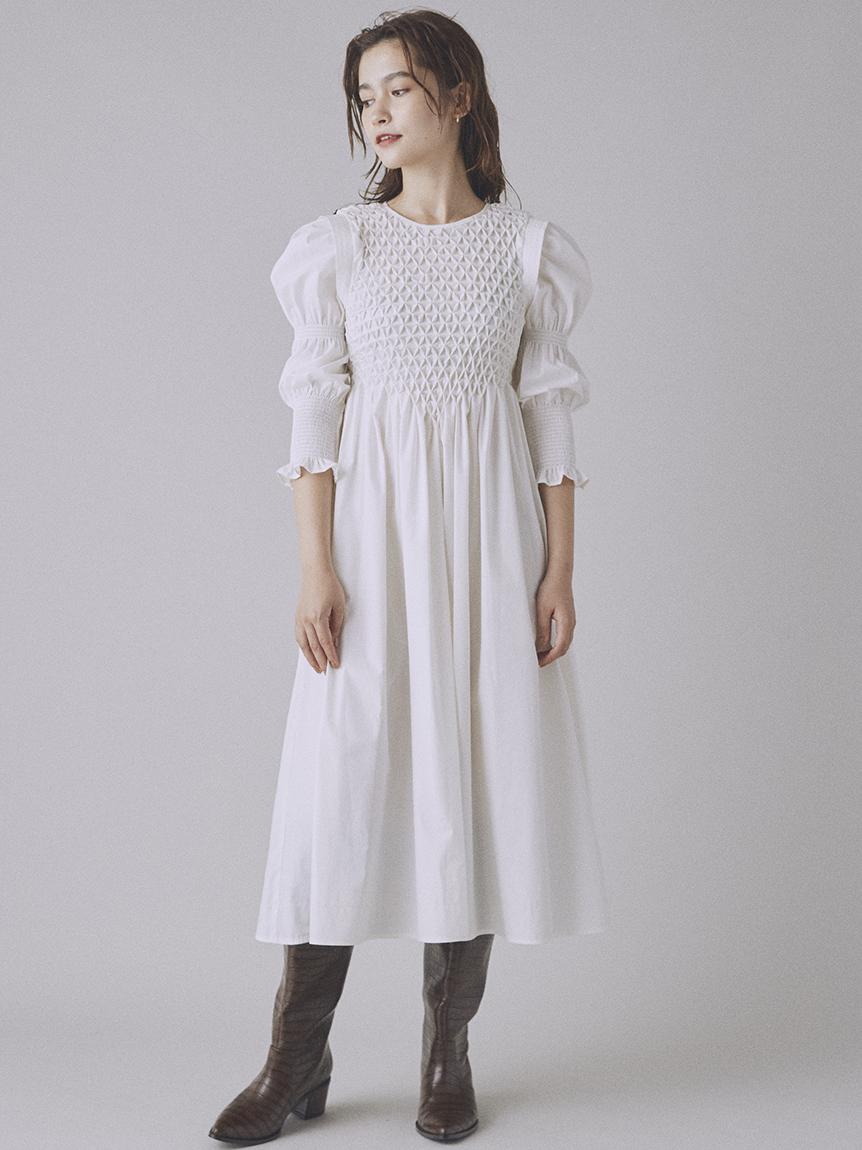 縮褶繡設計連身裙