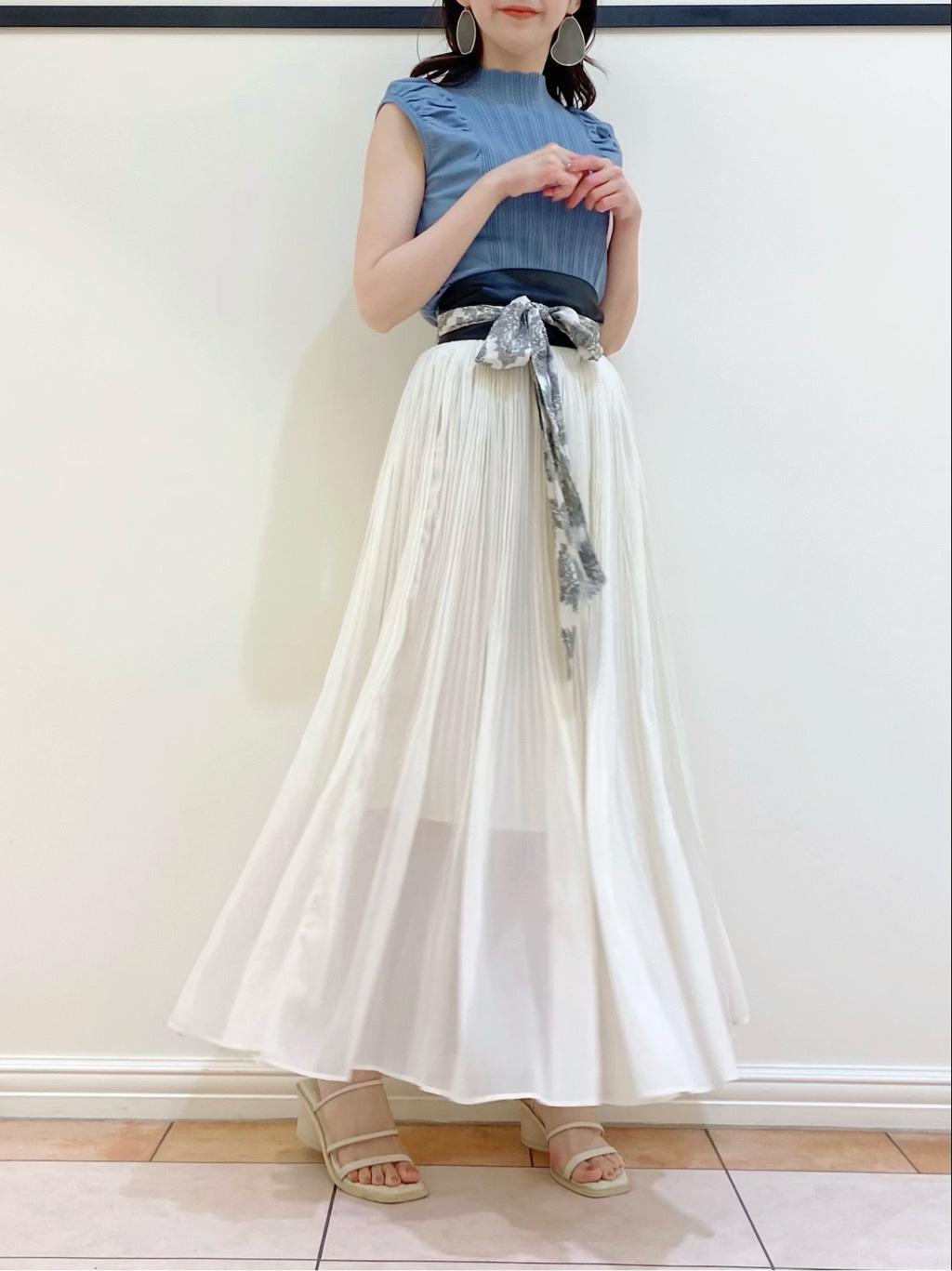 輕盈感百褶長裙
