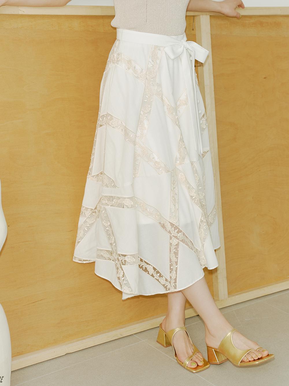 透膚刺繡蕾絲長裙