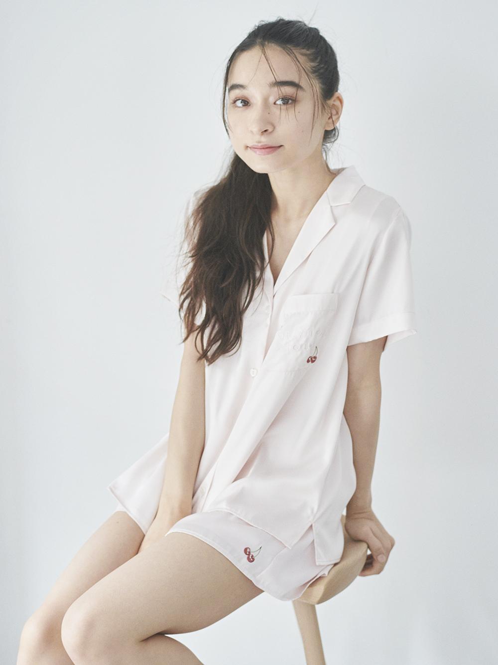 刺繡緞面襯衫