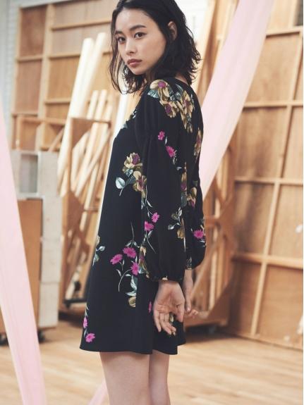 氣質花朵剪裁洋裝