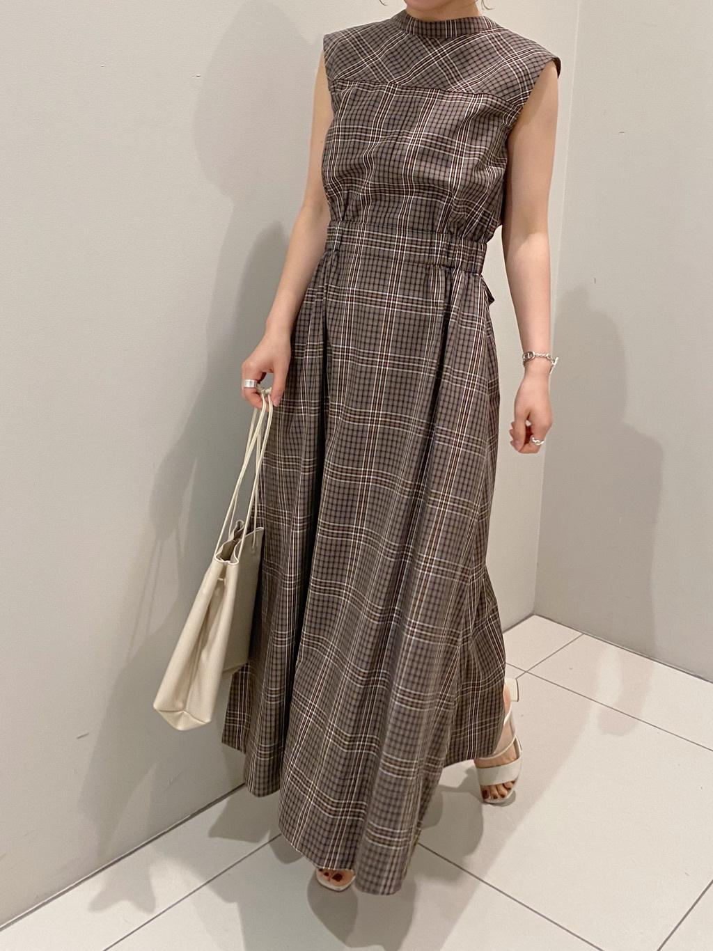 格紋立體剪裁連身裙