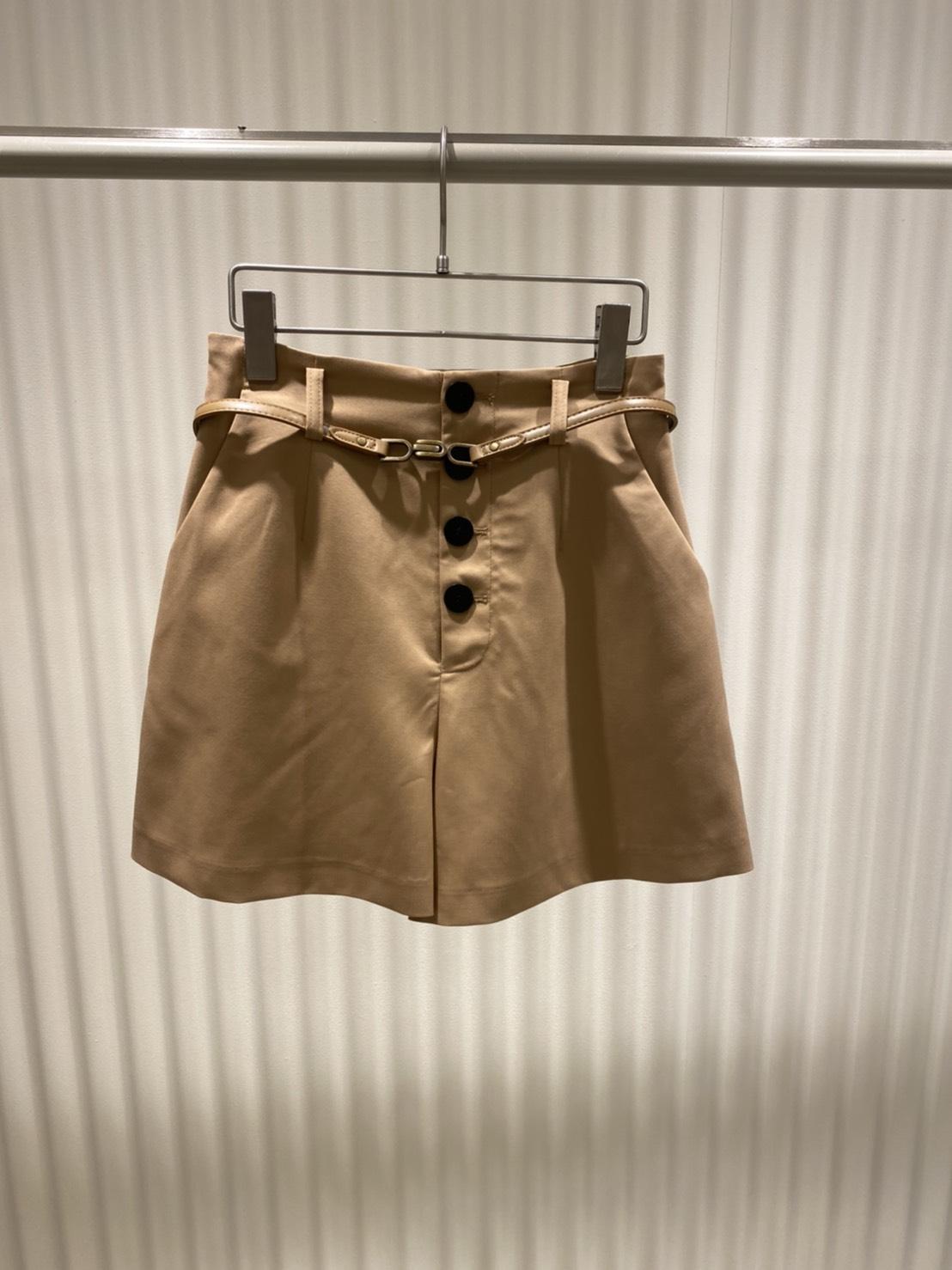 排釦高腰短褲