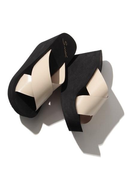 交叉厚底涼鞋