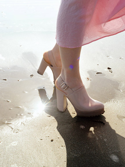 優雅尖頭粗跟涼鞋