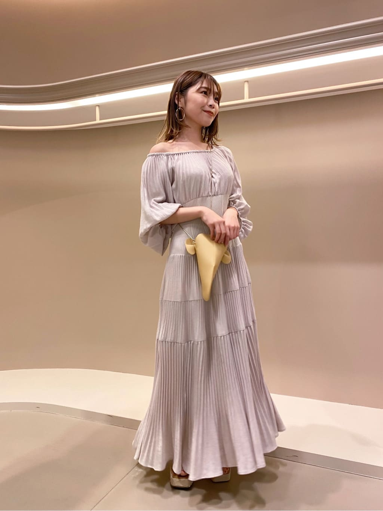 亞麻風細褶連身裙