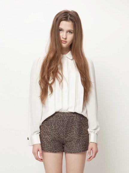 多層領短版襯衫